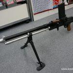 ブルーノZB26軽機関銃の電動ガンが迫力である