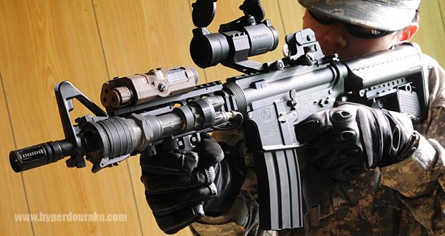 슈어 파이어 M951을 장착