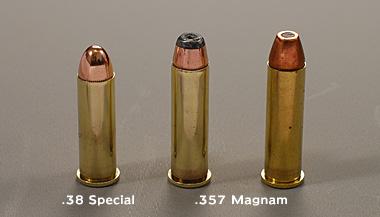 .38スペシャル .357マグナム弾の比較